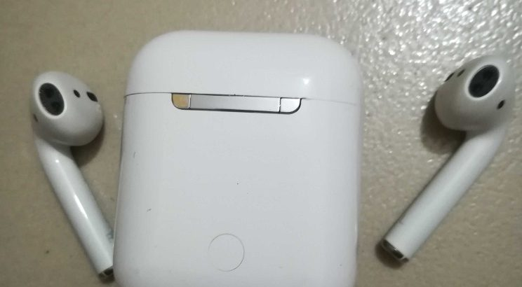 AirPods 1 ( Premium Version) with Wireless Charging Case